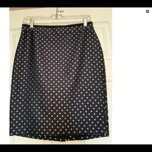 Ann Taylor Navy Pencil Skirt 6P **Embroidered**